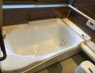 スムーズ浴槽<br /> 浴槽へのまたぎ高さがマイナス7.5㎝、出入りがグッと楽になります。